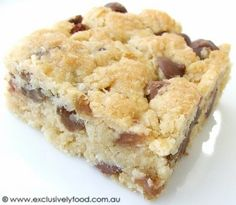"""Exclusively Food: Oat, Sultana and Choc Chip Slice Recipe.  I made these yesterday and they were perfect for a """"take a plate""""."""