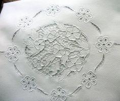 Manta quadrada em fustão casinha de abelha pequena 100% algodão, bordada com a…