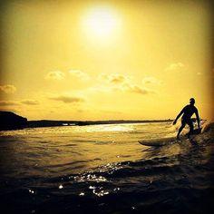 アフター5 至福のひと時  #沖縄 #恩納村 #サーフィン #サンセット #ユウヤケ #波乗り #太陽 #波 #ライディング #ロングボード #シーナサーフ #サーフィンスクール #自然 #夏 #カコソラ #okinawa #surfing #sunset #lastsummer #waves #longboard #sky #sea #seanasurf #instagood #ocean #オキナワ #南国 #初心者