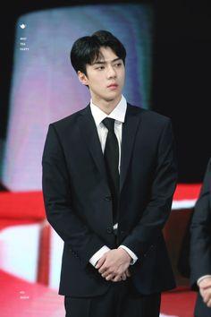 Sehun - 171103 2017 Korean Pop Culture and Arts Awards  Credit: Mad Tea Party. (2017 대한민국 대중문화예술상 시상식)