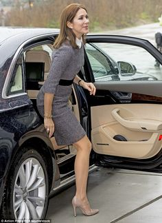 The royal displayed her long, toned legs as she stepped out of her car and offset her look...