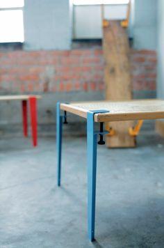 The Floyd Leg vous permet donc de transformer n'importe quel plateau ou planche de récupération en une table aux lignes industrielles. Les pieds sont disponibles en plusieurs couleurs et hauteurs.: