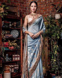 www.ileshshah.com Ilesh Shah Photography #ileshshah #MyPhotoInVogue  #fashion #lookbook #outfitsociety #fashiongram #dress #model #urbanfashion #luxury #fashionstudy #famous #style #fashionkiller #swag #classy #cute #shopping #glam #me #popular #fashionstylist #saree #dsbtstudio