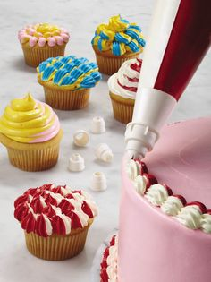 #SpringBadaBing Featured Prize — Cake Boss® 2-Color Icing Bag & Coupler Set.