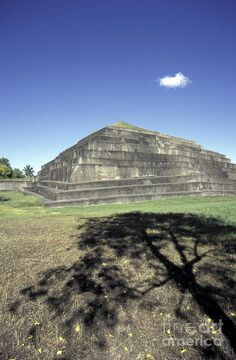 ✮ Main pyramid at the Mayan ruins of El Tazumal in El Salvador, Central America. This is the largest and best restored archaeological  site in El Salvador