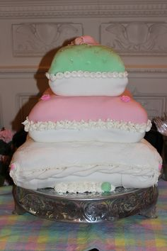 Princess and the Pea baby shower cake