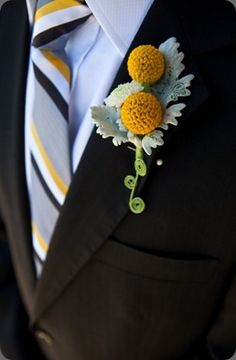 Boutonniere Ideas for the Groom | Perfect Wedding Guide Blog   www.MadamPaloozaEmporium.com www.facebook.com/MadamPalooza
