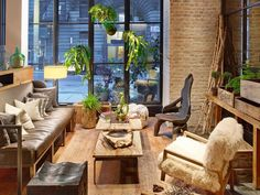 5 Great Eco-Friendly Stays Across the US Boutique Hotels New York, Queen Room, Hotel Interiors, Parquet Flooring, Outdoor Furniture Sets, Outdoor Decor, California Homes, Central Park, Home Projects