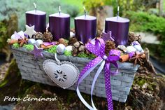 Adventní svícen...do fialova Christmas Crafts, Christmas Decorations, Table Decorations, Couronne Diy, Home Decor, Advent Candles, Straws, Candles, Noel