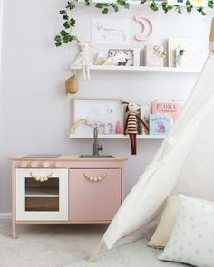 6 Ikea Play Kitchen Hacks that You'll Want to Make Today http://petitandsmall.com/6-top-ikea-play-kitchen-hacks/