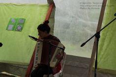 5a Feria del Libro de Río Ceballos, presentación del libro Historias que nos Siembran, de Lilah Ríos.  Pato con su acordeón al compás de La Cumparsita.
