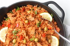 Packed with flavour, real ingredients and vibrant colours, one pot Spanish chicken and rice is the perfect no fuss, no clean up weeknight meal.
