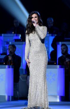 Idina Menzel, Unusual Things, How Beautiful, Amazing Women, Theatre, Diva, Broadway, Take That, Celebs