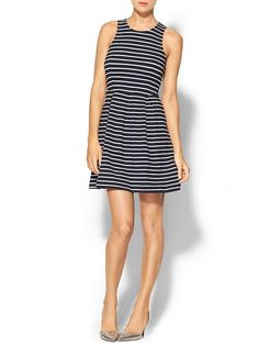 Pin for Later: Diese 11 Kleider aus Piperlimes Frühlings-Sale sind ein Muss THML Clothing Striped Fit and Flare Kleid THML Clothing Stripe Knit Fit & Flare Dress ($79)