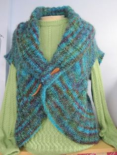 Knitted Vests on Pinterest | 19 Pins