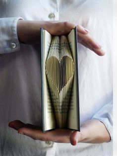 Heart - Valentines Day Gift - Romantic - Love - Boyfriend / Girlfriend - I Love You - Gift for Him - Gift for Her - Folded Book Valentine