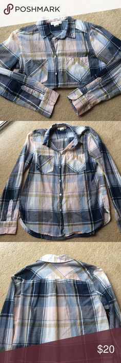 H&M Flannel H&M thin flannel in regular fit. Size 8 which is equivalent to a medium. Worn 2-3 times, in great condition. H&M Tops Button Down Shirts