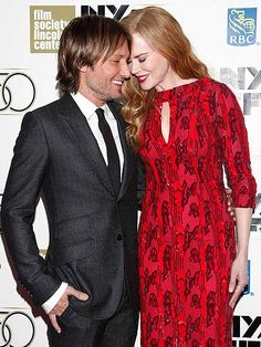 Nicole Kidman and Keith Urban cozy up on the red carpet