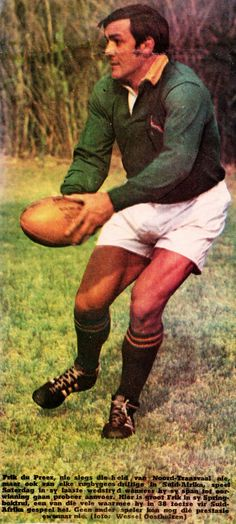 Frik du Preez (Slot) - 1971 (Mclook rugby collection) South African Rugby, Rugby Men, Rugby Players, African History, Sport Man, Good Old, Old School, Vintage Sport, Psychiatry
