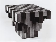 Love this chess table! For those who want to look more deeply into the position.