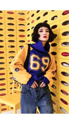 0a609bb120e Chic Hit Color Blue   Orange Printed Hoodies with High Waist. Fashion 101  ...