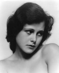 Hedwig Eva Maria Kiesler a.k.a. Hedy Lamarr, 1930s.