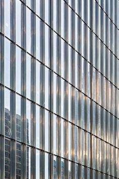 Beauty in Simplicity The SOM-designed 250 W. 55th Street, an elegant new tower in Manhattan, sits on a prominent site near Columbus Circle and Central Park. Changing sky conditions and the surrounding cityscape interact with the building's glass skin, resulting in an ever-shifting visual phenomenon. Learn more