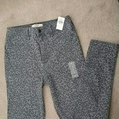 NWT Abercrombie high waisted skinny jeans New with tags Abercrombie and Fitch high waisted skinny jeans with Leopard print. Size 8 /29. 28 inch waistband, 11.5 rise from crotch, inseam is 28.5 inches. Abercrombie & Fitch Jeans Skinny