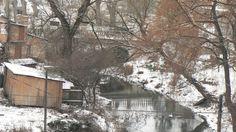 міст через річку Гніздна. тут ше видко собачу будку