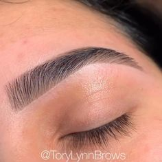 Round Eyebrows, Full Eyebrows, Arched Eyebrows, Natural Eyebrows, Thick Eyebrow Shapes, Perfect Eyebrow Shape, Brow Shaping, Perfect Eyebrows, Makeup Tutorials