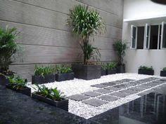 73 Minimalist Home Terrace Ideas with Minimalist Plant Garden Small Backyard Gardens, Backyard Garden Design, Small Backyard Landscaping, Small Patio, Small Gardens, Indoor Garden, Yard Design, Terrace Garden, Design Design