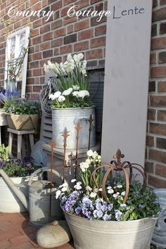 My Country Cottage Garden: Spring in white & blue shades! My Country Cottage Garden: Spring in white & blue shades! My Country Cottage Garden: Spring in white & blue shades! My Country Cottage Garden: Spring in white & blue shades! Metal Planters, Diy Planters, Garden Planters, Porch Planter, Planter Ideas, Planters Flowers, Flower Pots, Potted Flowers, Garden Junk