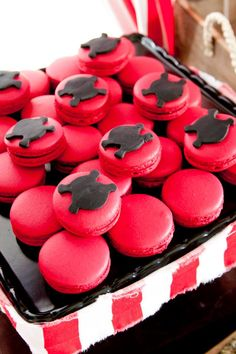 pirate macarons  for more party ideas visit www.littlepartylove.com.au