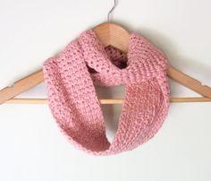 Pink Cotton Scarf .. Organic Cotton Scarf .. Pale Pink por DottieQ, $32.00