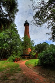 Currituck Lighthouse. Click for information about the lighthouses of OBX.