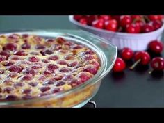 Cherry Clafoutis with Thermomix. I suggest you a recipe of Clafoutis with cherries, which is easy and easy to implement with the Thermomix. Cherry Desserts, Cherry Recipes, Just Desserts, Delicious Desserts, Dessert Recipes, Cherry Cake, Clafoutis Recipes, Cherry Clafoutis, Sweet Recipes