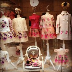 """#vetrina #pincopallino #milano #baby #meravigliosi #abitini"""