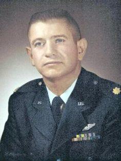 Virtual Vietnam Veterans Wall of Faces   BRUCE R WILLIAMS   AIR FORCE