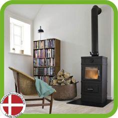 Svendsen 1 basis model met lage gesloten sokkel van 14 cm. / Svendsen 1 wood stove.