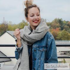 Cette semaine, nous sommes allés à la rencontre de Justine, une jeune blogueuse belge qui essaie les dernières tendances les unes après les autres : le manteau oversize camel, la capeline, la jupe plissée métallisée, le sweat à message... elle a tout tenté ! Et à chaque fois, elle réussit à se les approprier avec succès ! Découvrez tous les secrets de son style dans son interview...
