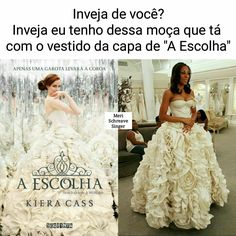 I have no idea what its saying but all i know is that the dresses are the same! I Love Books, Good Books, America Sings, The Selection Book, Aurora Disney, La Girl, Saga, Cute Wedding Ideas, Book Memes