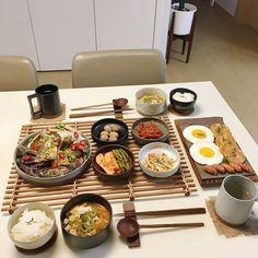K Food, Food Menu, Food Porn, Asian Recipes, Real Food Recipes, Yummy Food, 17 Kpop, Food Platters, Food Goals