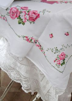 Lovely Rose tablecloth