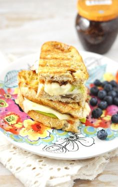 Cheese + Fig + Pear = Booyah! #fitfluential #grilledcheese #vegetarian