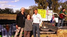 .@lockthegateQLD Drew Hutton, Shay Dougall + Lee McNicholl at the Hopeland http://www.bloggerme.com.au/states/darling-river Australia gasfields free eclaration day.