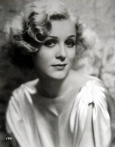 I am madly in love with this picture of Gloria Stuart.