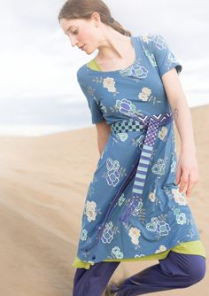 """""""Carmencita"""" dress in micromodal/spandex – Passionate roses – GUDRUN SJÖDÉN – Webshop, mail order and boutiques 