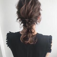 YUJI / LIICHIさんのスナップ #ナチュラル #デート #パーティー #ゆるふわ #ヘアアレンジ #ミディアム #結婚式 Hair Arrange, Hair Setting, Hair Looks, Curly Hair Styles, Dreadlocks, Wedding, Beauty, Hairstyles, Design