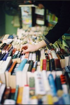 Bookbrowsing...one of the most relaxing ways to spend some time!