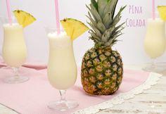 Ein leckerer Klassiker für den Sommer ist Pina Colada, super leicht in 5 Minuten gemacht. Du brauchst nur 5 Zutaten um diesen Cocktail zu zaubern!!!
